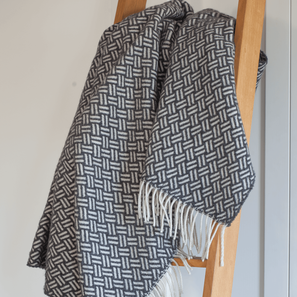 Loop Wool Throw, Antharice