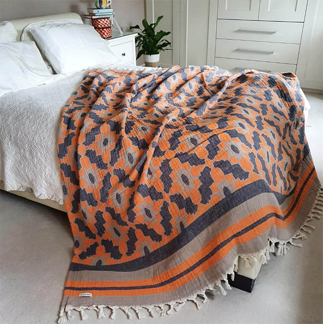 Leyla Orange Lifestyle bedspread